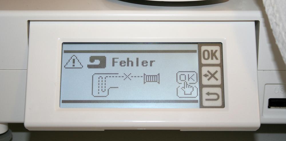 w6 n 6000  computergesteuerte stickmaschine im  ~ Nähmaschine Oberfaden Reißt